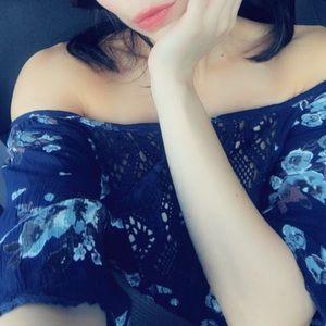 Cute cold shoulder blue floral dress by Angie sz M